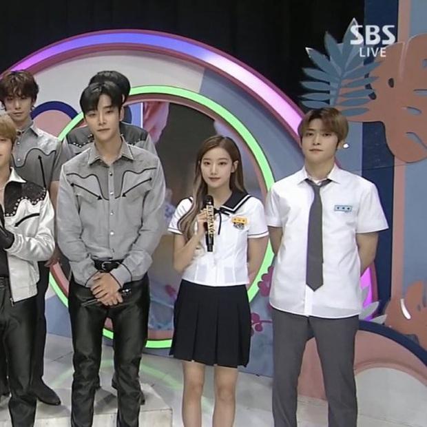 Rosé (BLACKPINK) đứng cạnh Jaehyun (NCT) nhìn rõ đẹp đôi, nhưng tất cả những gì Knet quan tâm là… chiều cao thật sự của cô nàng - Ảnh 6.