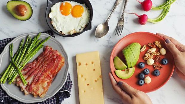Người có mỡ máu cao nên hạn chế ăn 5 loại thực phẩm để tránh làm tình trạng bệnh thêm tồi tệ - Ảnh 1.
