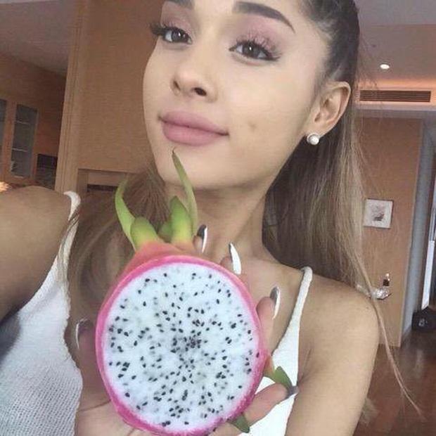 Chỉ cao 1m53 nhưng lại sở hữu body khét lẹt, Ariana Grande chia sẻ 2 bí quyết đơn giản giúp cô duy trì thân hình ai cũng mê - Ảnh 5.