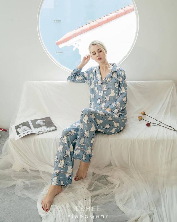 """Ở ngoài """"lồng lộn"""" đến đâu thì về nhà, sao Hàn chỉ chăm diện pyjama: Vừa xinh xẻo lại thoải mái, nhìn mà muốn sắm theo liền - Ảnh 22."""