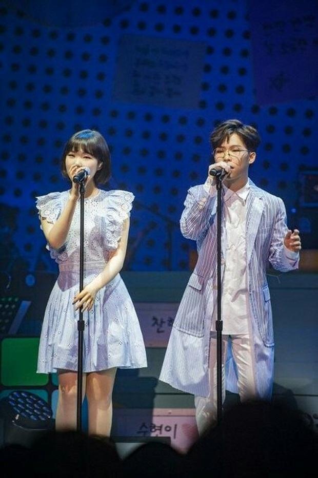 """Nghi ngờ thành viên AKMU ám chỉ tới việc rời YG khi khuyên nhủ Lee Hi, Knet liền nhiệt tình cổ vũ: """"YG chỉ lãng phí tài năng của họ thôi!"""" - Ảnh 5."""