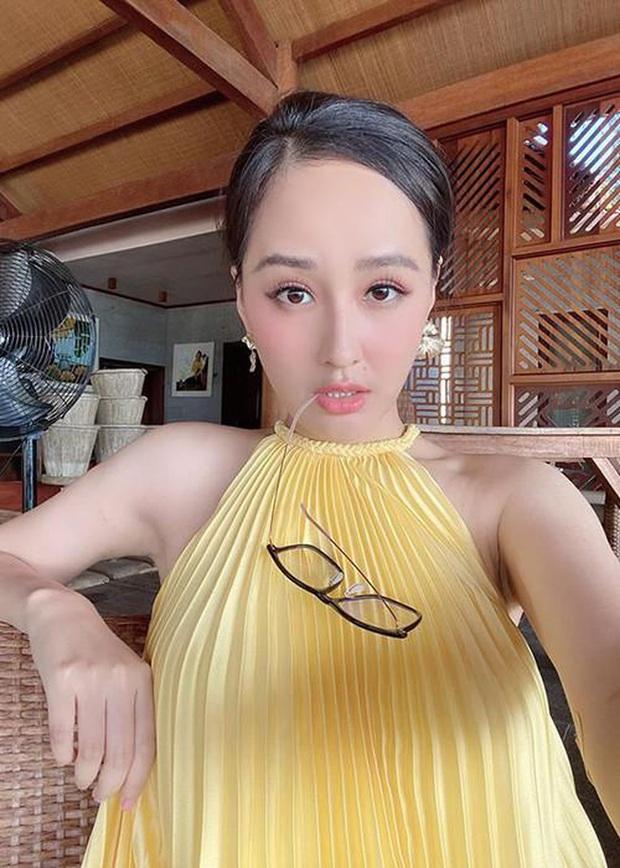 Khiến Tóc Tiên, Mai Phương Thuý… đắm đuối, váy xếp ly chính là item hot hit chị em cần hóng ngay  - Ảnh 1.