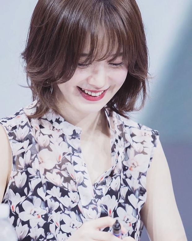 Nàng cỏ Goo Hye Sun khoe hình ảnh đầu tiên sau khi chính thức ly hôn: Đúng là phụ nữ đẹp nhất khi không thuộc về ai! - Ảnh 1.