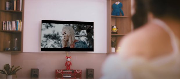 Châu Đăng Khoa mời cả 1 dàn cameo toàn cây hài Vbiz, nhưng không ai ngờ MV còn xuất hiện cả Orange, Song Joong Ki lẫn Song Hye Kyo? - Ảnh 11.