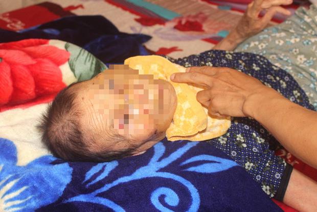 Nỗi ân hận của người con trai đánh mẹ già 84 tuổi bại liệt ở Hải Dương  - Ảnh 2.