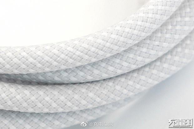 Rò rỉ hình ảnh cáp sạc mới của iPhone 12 - Ảnh 4.
