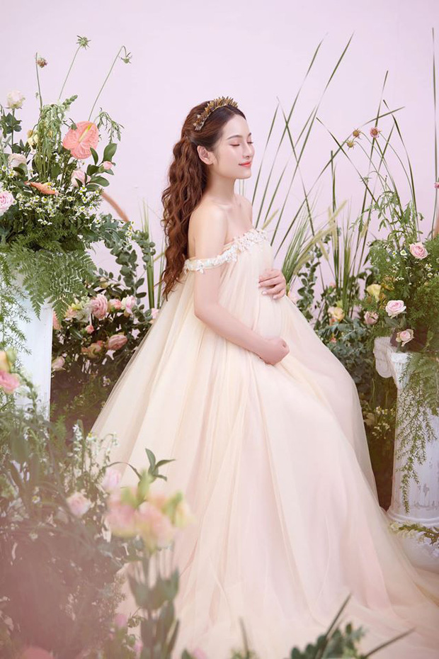 Bà xã Dương Khắc Linh tung trọn bộ ảnh bầu thai đôi đỉnh cao: Nhan sắc thế này bảo sao ông xã nghiện khoe! - Ảnh 8.