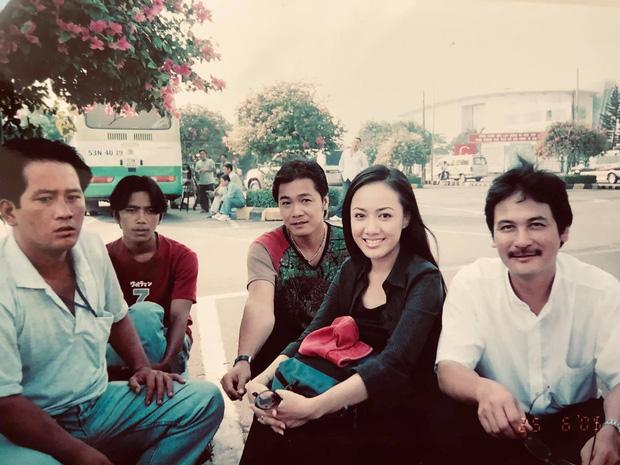 BTV Hoài Anh chụp ảnh với diễn viên Lý Hùng thời chân mày lá liễu, tóc ép thẳng nhưng ô kìa chị không già đi chút nào - Ảnh 1.