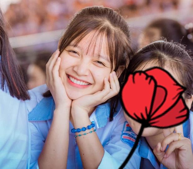 Loạt ảnh đời thường của gái xinh hot nhất mùa kỷ yếu xứ Nghệ, cười một cái là gây say nắng trên diện rộng - Ảnh 4.