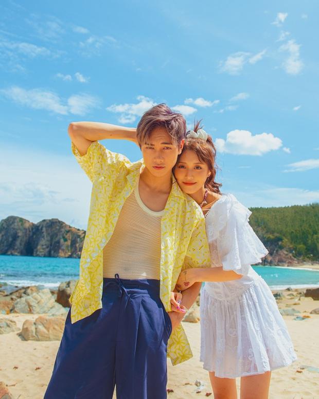 JSol và Han Sara khoá môi ngọt ngào trên bãi biển nhờ công lao của... một chú cún trong MV Hiếm Có Khó Tìm - Ảnh 2.