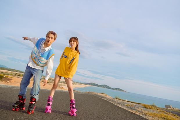 JSol và Han Sara khoá môi ngọt ngào trên bãi biển nhờ công lao của... một chú cún trong MV Hiếm Có Khó Tìm - Ảnh 7.