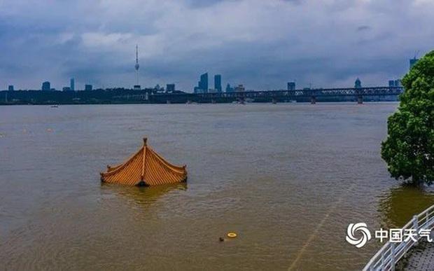 Lưu vực sông Trường Giang (Trung Quốc) tiếp tục mưa lớn đến 19/7 - Ảnh 1.