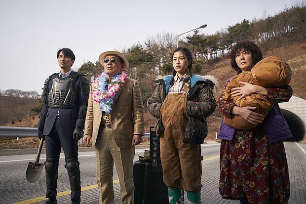 Cày 5 phim zombie Hàn để sẵn sàng tinh thần đu Peninsula: Hot nhất vẫn là tiền truyện bom tấn Train To Busan - Ảnh 8.