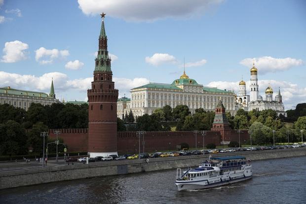 Nga bỏ quy định cách ly đối với du khách: Làn sóng COVID-19 thứ hai là điều không thể tránh khỏi - Ảnh 1.