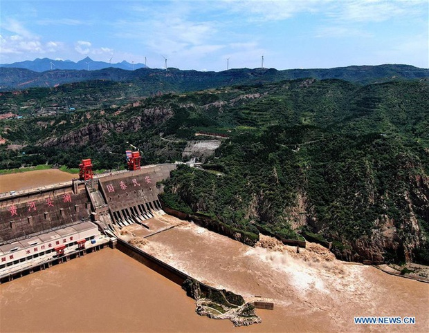 [Ảnh] TQ: Đập thủy điện gây tranh cãi trên sông Hoàng Hà xả lũ, sẵn sàng đối phó đợt lũ mới - Ảnh 6.