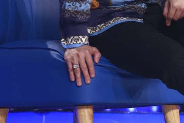 Trấn Thành khoe nhẫn kim cương được Hari Won tặng trên truyền hình, nhưng sự thật ai cũng ngã ngửa - Ảnh 4.