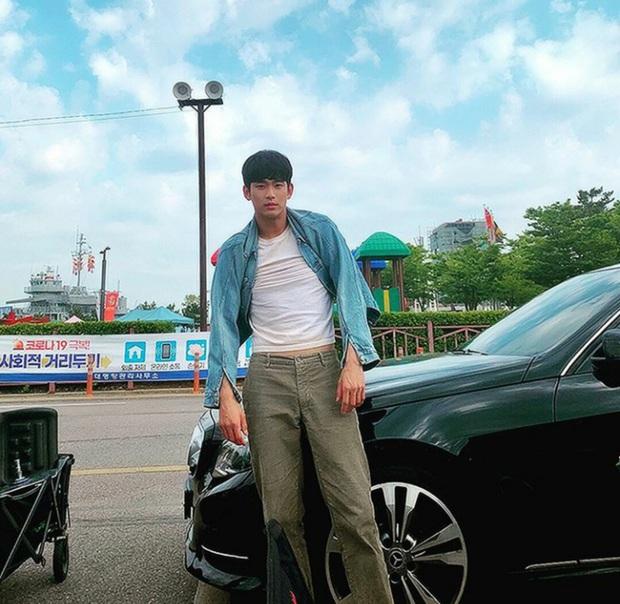1001 trò nhây vô cực của Kim Soo Hyun ở hậu trường Điên Thì Có Sao khiến dân tình cười mệt mỏi - Ảnh 16.