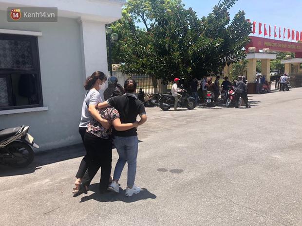 Nỗi đau 2 người mẹ trong phiên xử đầu độc trà sữa ở Thái Bình: Người khóc nghẹn vì con chết oan, người ngã quỵ khi con nhận bản án tử hình - Ảnh 3.
