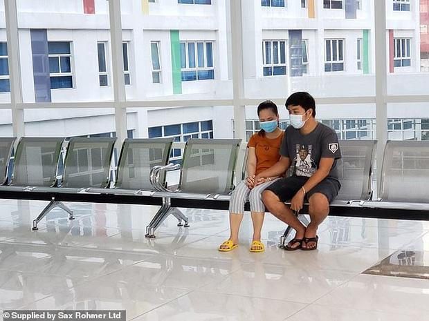 Ca phẫu thuật tách rời thành công cặp song sinh Trúc Nhi - Diệu Nhi của các y bác sĩ Việt Nam thu hút sự chú ý báo chí nước ngoài - Ảnh 5.