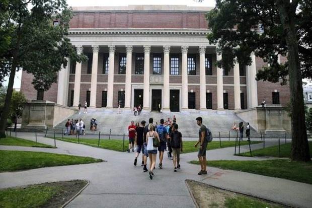 Mỹ miễn lệnh cấm nhập cảnh cho sinh viên các nước Châu Âu - Ảnh 1.