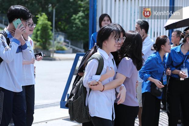 Đáp án môn Ngữ văn kỳ thi tuyển sinh vào lớp 10 Hà Nội năm 2020 - Ảnh 1.