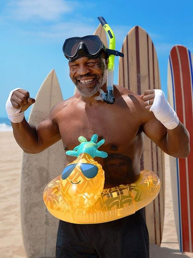 Trở lại sau thời gian dài giải nghệ, Mike Tyson chuẩn bị đối đầu cùng... cá mập trắng - Ảnh 2.