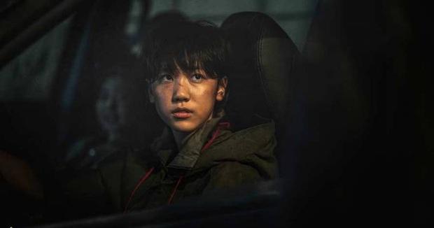 10 sự thật gây choáng về biệt đội Peninsula: Kang Dong Won là họ hàng Gong Yoo, diễn viên nhí toàn người quen từ bom tấn? - Ảnh 11.