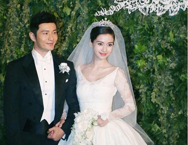 Thái độ khác thường của Angela Baby - Huỳnh Hiểu Minh gây tranh cãi: Né nhau thế này có nghĩa là đã ly hôn? - Ảnh 2.