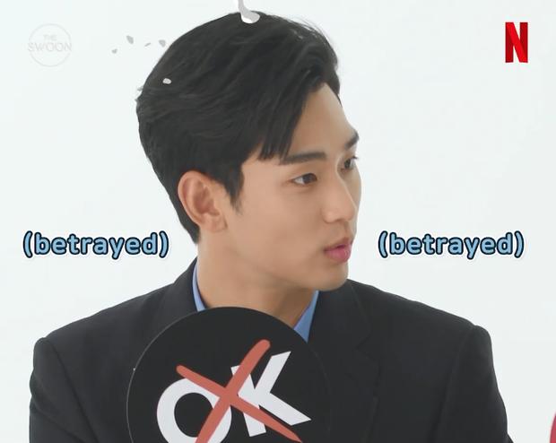 """Kim Soo Hyun chẳng làm gì cũng khiến """"điên nữ"""" mặt lạnh Seo Ye Ji cười mãi, ai dè bị nàng """"bóc phốt"""" luôn và ngay - Ảnh 6."""