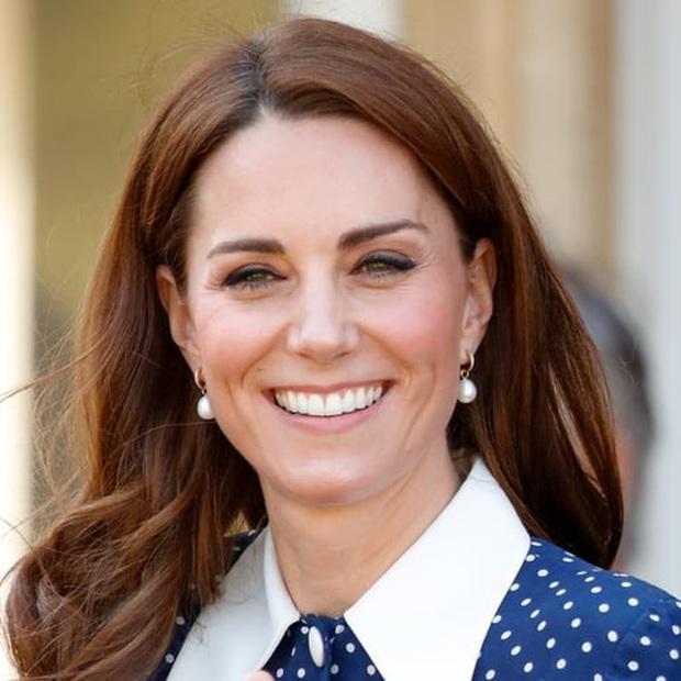 Bảng xếp hạng những nhan sắc Hoàng gia đẹp nhất mọi thời đại: Đứng nhất là nhân vật quá quen mặt, Kate và Meghan Markle xếp thứ hạng sát sao - Ảnh 5.