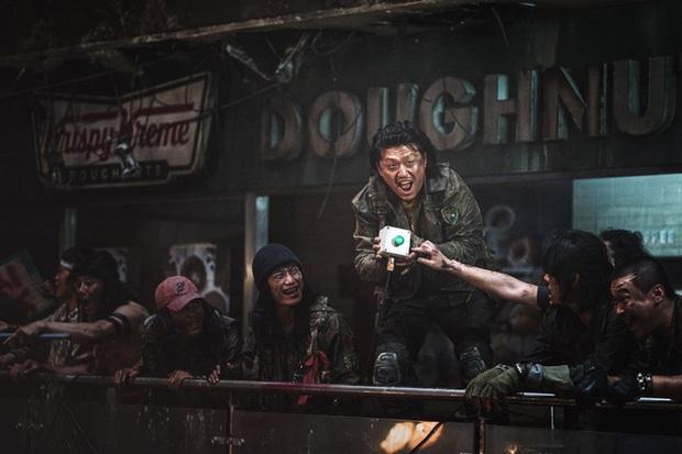 So kè 3 trùm phản diện ở vũ trụ Train To Busan: Đại ca biến thái Peninsula vẫn kém xa giám đốc hèn hạ năm nào - Ảnh 16.