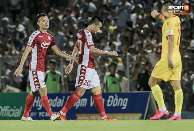 Những lần cầu thủ Việt Nam gặp chuyện dở khóc dở cười, hớ nặng vì ngỡ được lên ĐTQG - Ảnh 1.