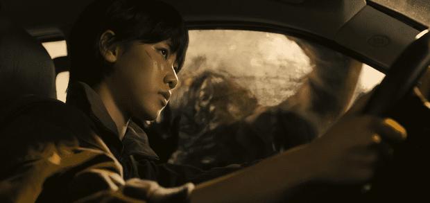 Chuyện bi hài ở Peninsula (Train To Busan 2): Zombie chỉ là cameo, trong khi các tay đua giật sạch spotlight - Ảnh 2.