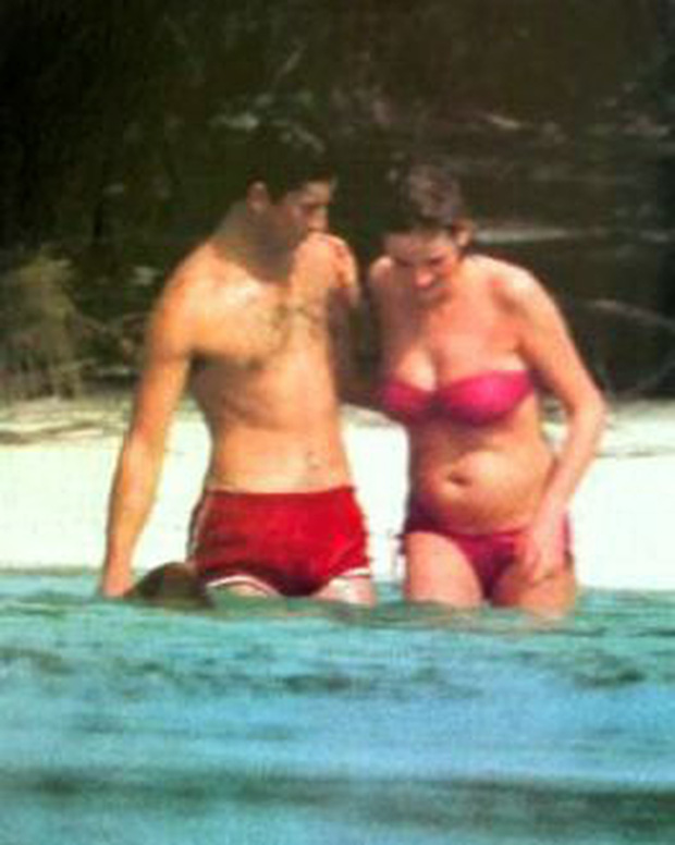 Điều ít biết về bức ảnh nhạy cảm của Công nương Diana khi mang thai con đầu lòng khiến Nữ hoàng Anh nổi giận, truyền thông Anh điêu đứng - Ảnh 2.