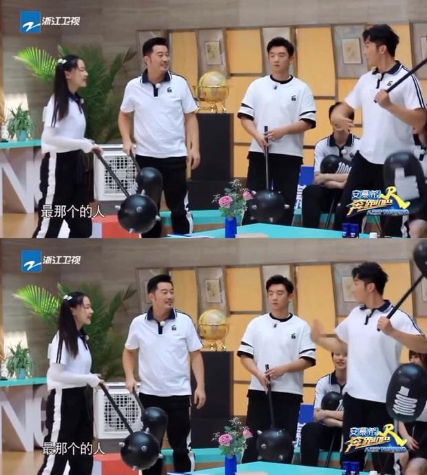Tình cũ Phạm Băng Băng Lý Thần bị chỉ trích vì hành động kém duyên với diễn viên nữ trên sóng truyền hình - Ảnh 1.