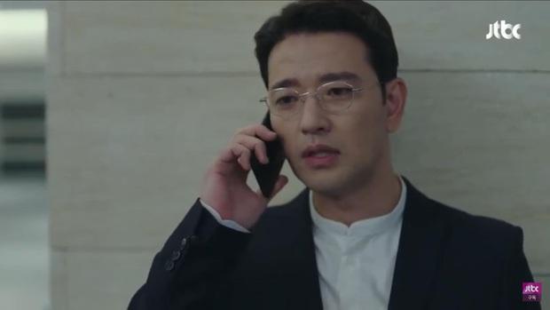Hết bị bạn thân chồng bắt gian vào khách sạn, bà lớn Yoon Ah lại bị cưỡng hôn bạo lực ở tập 4 Hội Bạn Cực Phẩm - Ảnh 4.