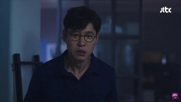 Hết bị bạn thân chồng bắt gian vào khách sạn, bà lớn Yoon Ah lại bị cưỡng hôn bạo lực ở tập 4 Hội Bạn Cực Phẩm - Ảnh 11.