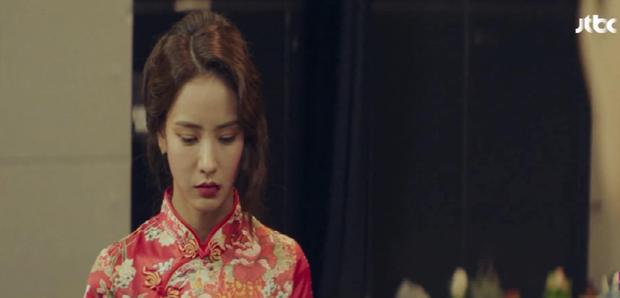 Hết bị bạn thân chồng bắt gian vào khách sạn, bà lớn Yoon Ah lại bị cưỡng hôn bạo lực ở tập 4 Hội Bạn Cực Phẩm - Ảnh 14.