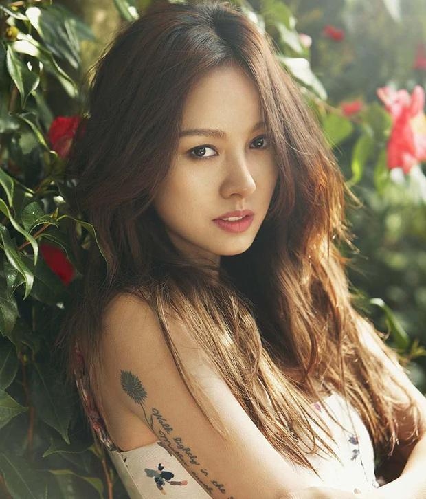 Sao nữ làm dâu hụt nhà giàu: Lee Hyori yêu cháu GĐ Ngân hàng Hàn Quốc, Á hậu bỏ con trai Phó Chủ tịch Samsung lấy Kwon Sang Woo - Ảnh 2.