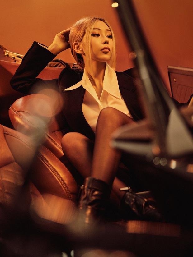 Min tung bộ ảnh mới nhưng netizen choáng nhẹ vì khuôn mặt khác lạ, nhìn còn na ná Rosé (BLACKPINK) - Ảnh 4.