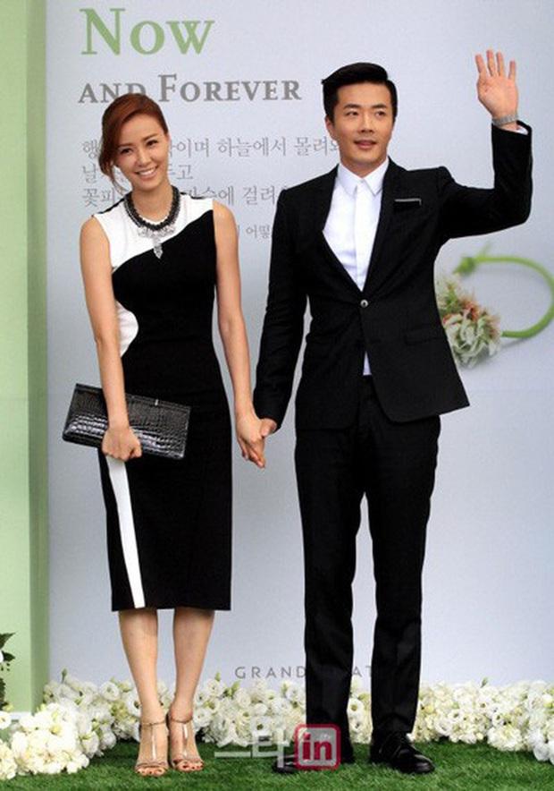 Sao nữ làm dâu hụt nhà giàu: Lee Hyori yêu cháu GĐ Ngân hàng Hàn Quốc, Á hậu bỏ con trai Phó Chủ tịch Samsung lấy Kwon Sang Woo - Ảnh 21.