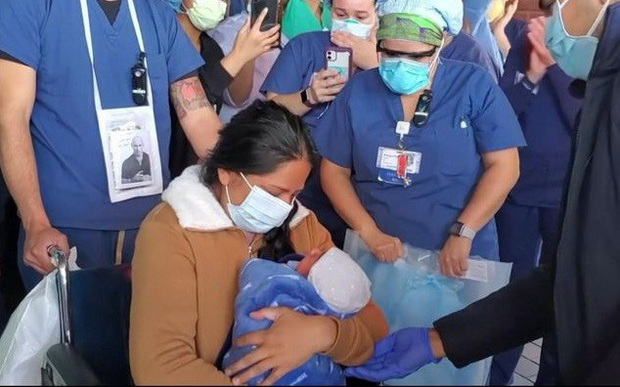 85 trẻ sơ sinh ở Mỹ dương tính với Covid-19 - Ảnh 1.