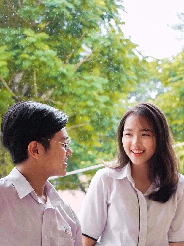 Cặp đôi thanh xuân vườn trường: Học sinh giỏi của trường chuyên nức tiếng Sài thành, yêu nhau năm 16 tuổi và cùng nắm tay tốt nghiệp - Ảnh 2.