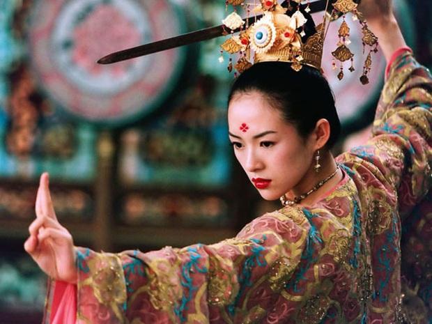 9 mỹ nhân hóa sát thủ siêu ngầu trên phim Trung: Chương Tử Di khí chất ngời ngời, Lưu Diệc Phi hứng trọn gạch đá - Ảnh 13.