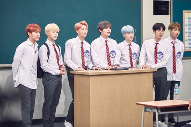 Loạt idol group không cần đeo bảng tên khi đi show: Nhà SM thống lĩnh, BTS, BLACKPINK, TWICE... bất ngờ vắng mặt - Ảnh 1.