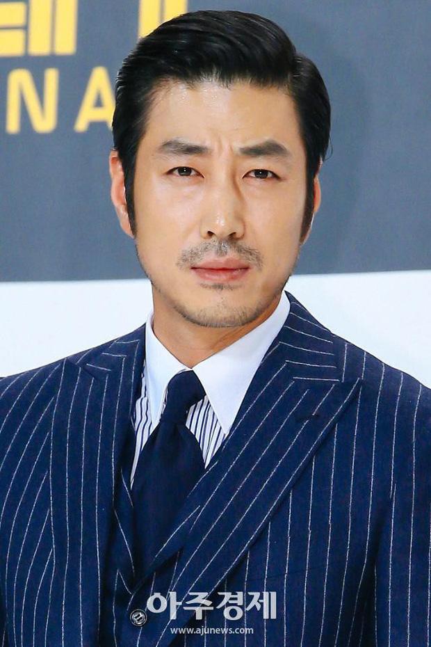 Người tình quyền lực của dàn Hoa hậu Hàn: Sao ngực khủng hốt cả Ji Chang Wook - G-Dragon, mỹ nhân Gia đình là số 1 quá thảm - Ảnh 27.