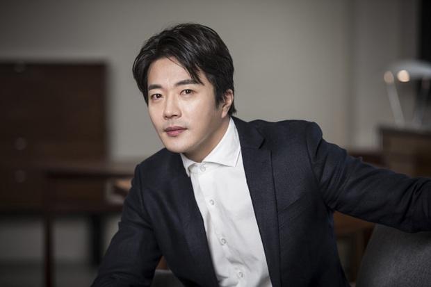 Người tình quyền lực của dàn Hoa hậu Hàn: Sao ngực khủng hốt cả Ji Chang Wook - G-Dragon, mỹ nhân Gia đình là số 1 quá thảm - Ảnh 28.