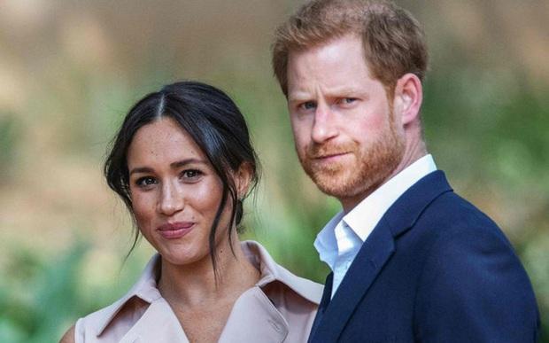 Hoàng tử Harry theo lời vợ, nói xin lỗi trong lần xuất hiện công khai mới nhất, nhưng đáng chú ý lại là phản ứng của hàng nghìn người hâm mộ - Ảnh 3.