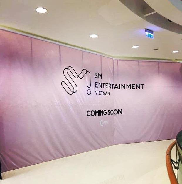 Hé lộ hình ảnh đầu tiên của SMTOWN tại Việt Nam cùng loạt sự kiện trước ngày khai trương, fan Việt sắp có dịp gặp các idol ngoài đời? - Ảnh 2.