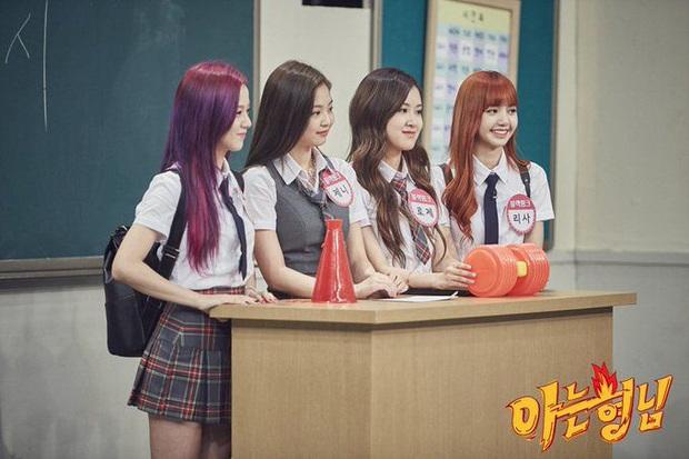 Loạt idol group không cần đeo bảng tên khi đi show: Nhà SM thống lĩnh, BTS, BLACKPINK, TWICE... bất ngờ vắng mặt - Ảnh 3.